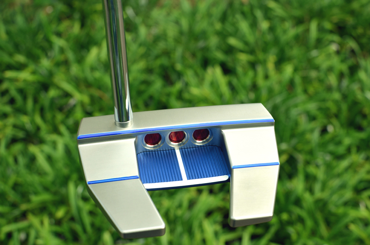 2570 – Scotty Cameron Futura X5